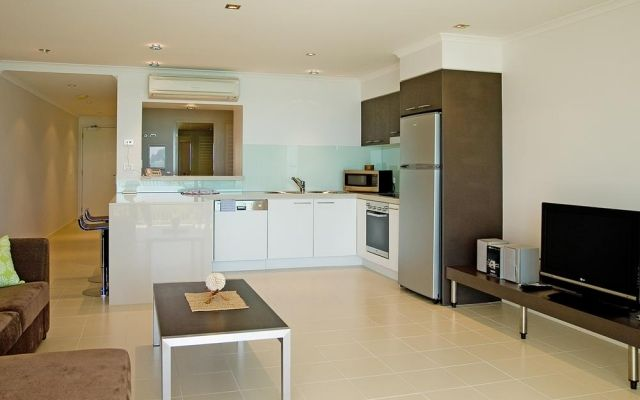 one-bedroom-airlie-beach-apartments (2)
