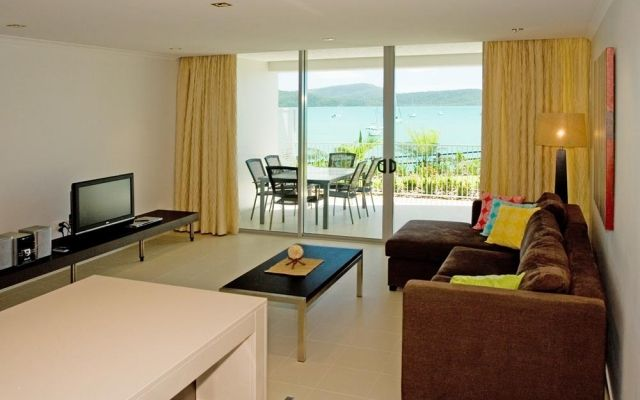 one-bedroom-airlie-beach-apartments (3)