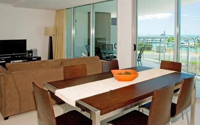 2-bedroom-airlie-beach-apartments (2)