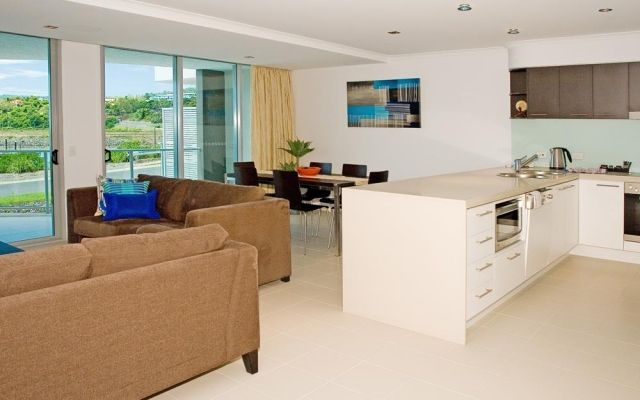 2-bedroom-airlie-beach-apartments (3)